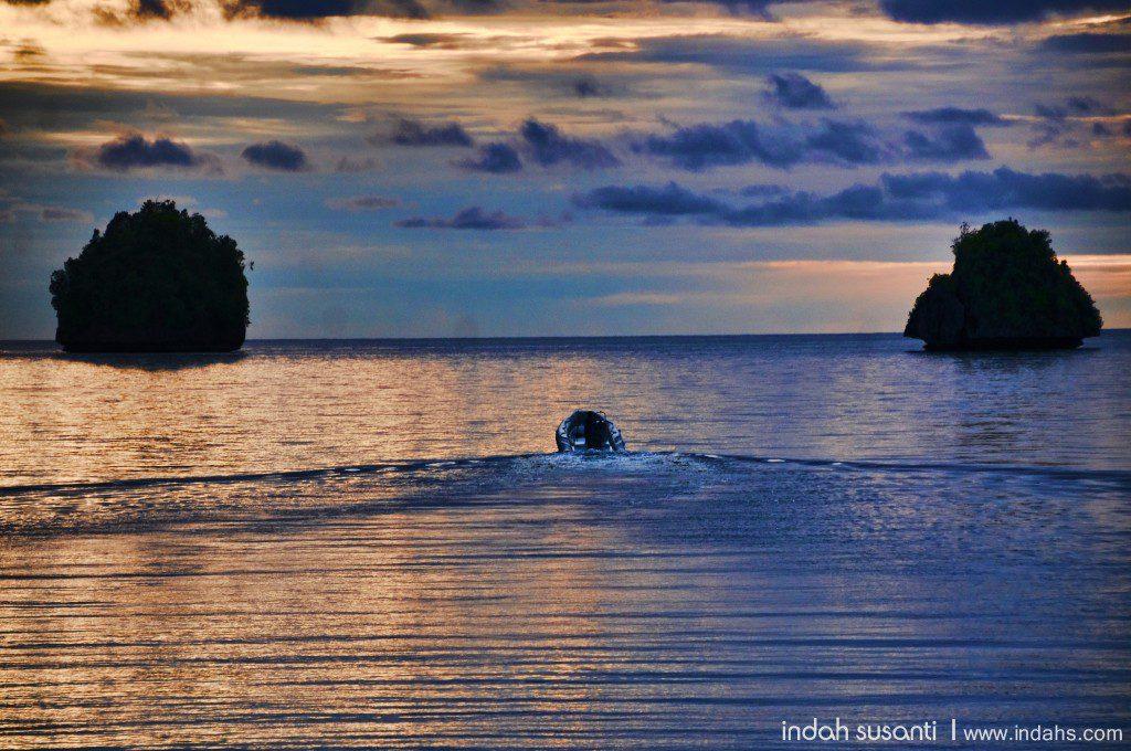 Heading our to dive Wayag's mushroom-like islets