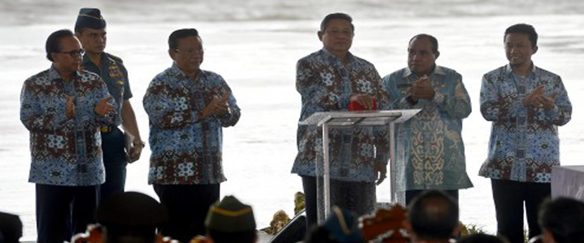president-header